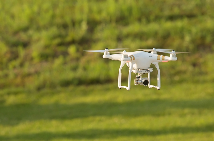 By virtue of their small size and easy operation, drones are cheaper and more efficient than manned aircrafts, manual scouting or satellite imaging. Credit: minhocos/Flickr, CC BY 2.0